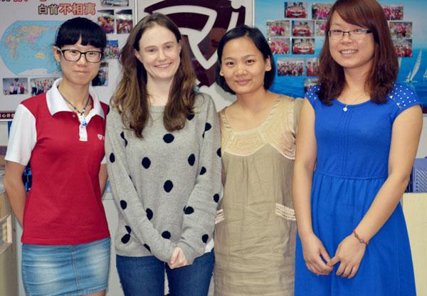 from the left: Ivy(J.D.), Priscilla(A.L.), Elsa(A.L.), Coco(J.D.)