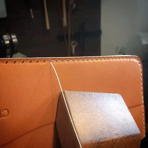 Sewing the outer of wallet