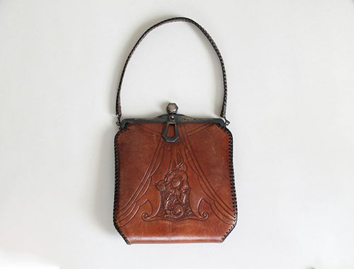Wallet in the early 20th century