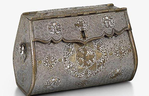 The oldest handbag in the world